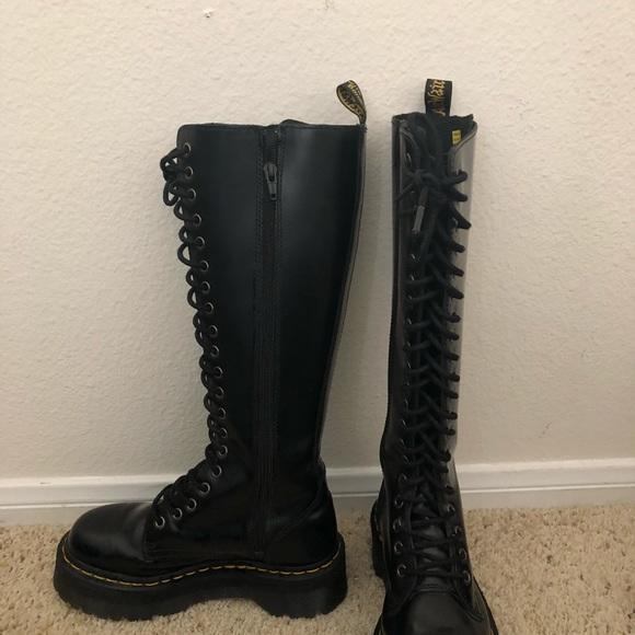 Dr. Martens Shoes - Dr. Martens Tall Black Boots (SIZE  US 5 3d3d8acedd38